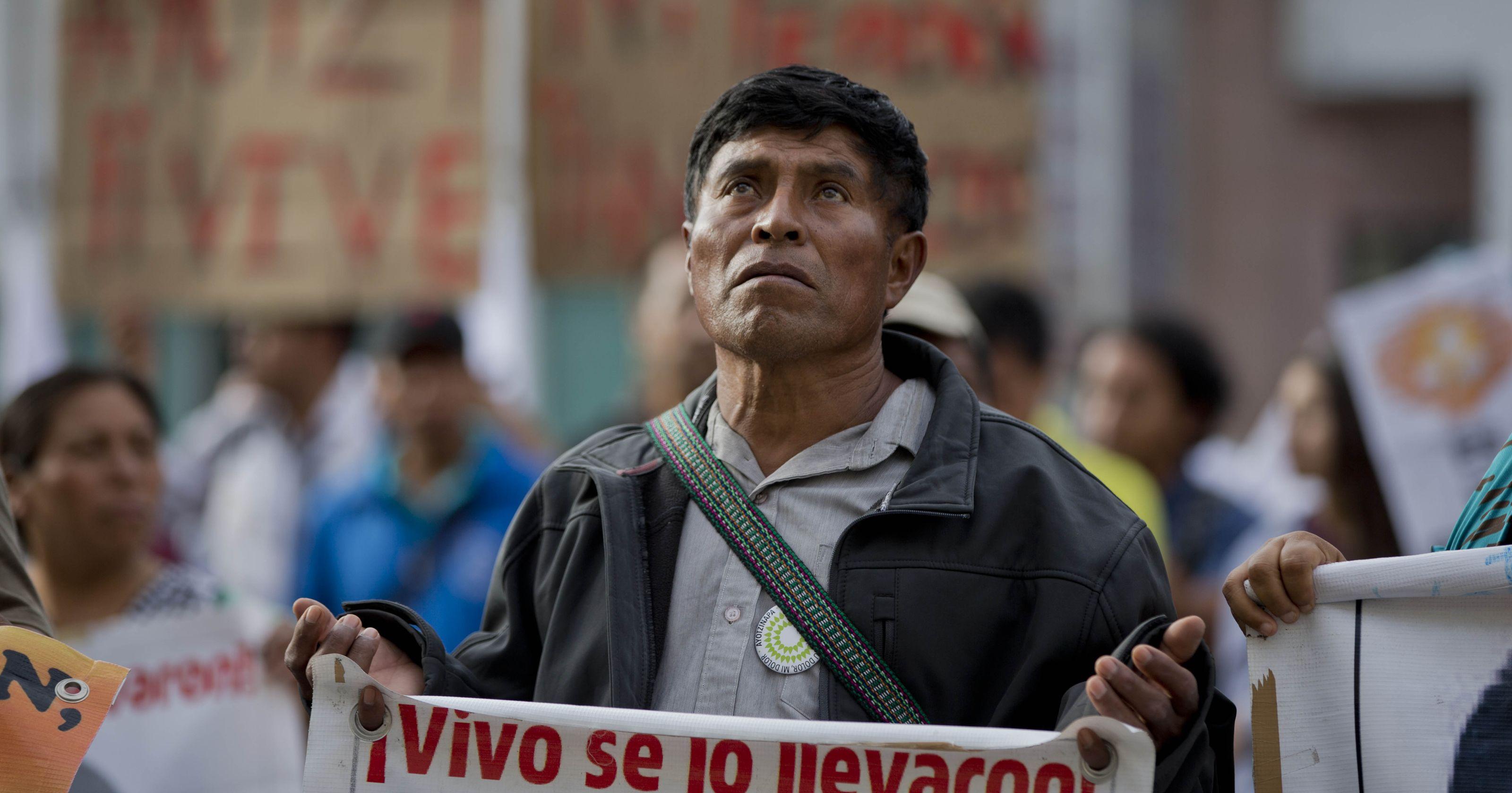 padres-ayotzinapa