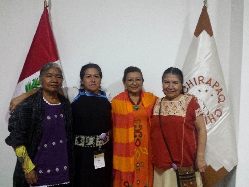 Con lideresas indígenas de Mexico, Venezuela y Perú.