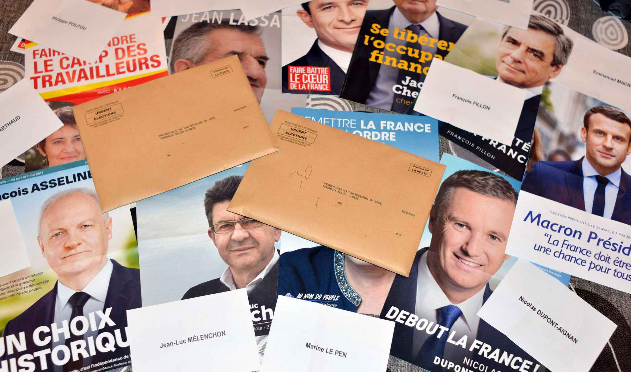 2048x1536-fit_illustration-presidentielle-2017-affiches-bulletins