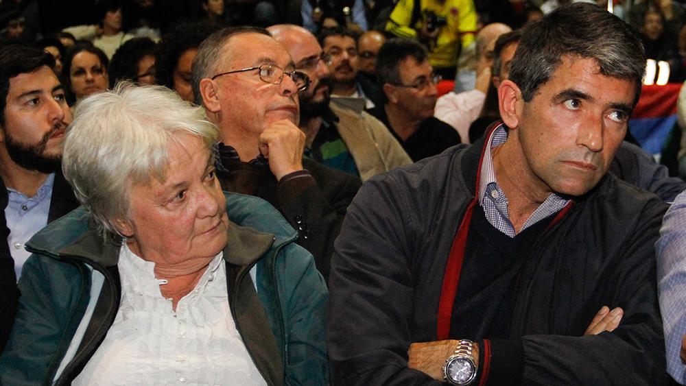 Lucía Topolansky, reemplazante en la vicepresidencia, y Raúl Sendic, el renunciante.